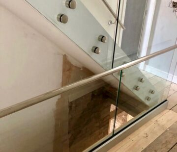 CUSTOM STAINLESS BALUSTRADE
