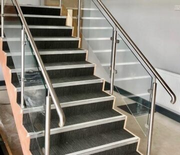 STAINLESS BALUSTRADE STAIRS