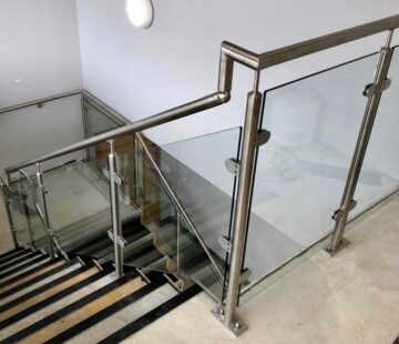 COMMERCIAL GLASS BALUSTRADING