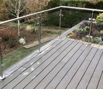 OUTDOOR STAINLESS BALUSTRADE