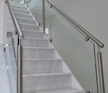 CUSTOM STAINLESS STEEL BALUSTRADE