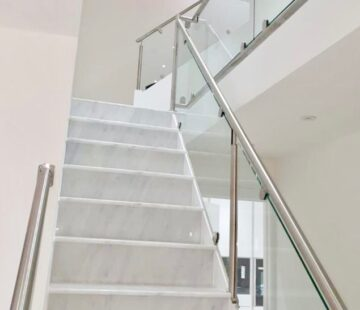 BESPOKE GLASS BALUSTRADING